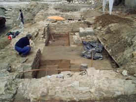 Archäologische Grabungen unter der Volkshochschule